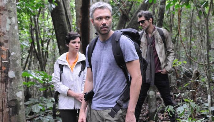 "Angêlo Paes Leme, Camila Rodrigues e Nicola Siri em ""Sem Volta"" (Foto: Munir Chatack/Record)"