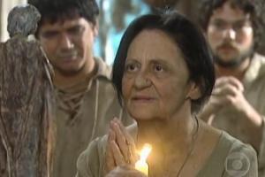 """Laura Cardoso (Silvana) em cena de """"A Padroeira"""" (Foto: Reprodução/Globo)"""