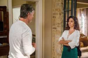 Vittorio (Marcello Novaes) e Loretta (Claudia Ohana) em cena de 'Sol Nascente' (Foto: Globo/Paulo Belote)