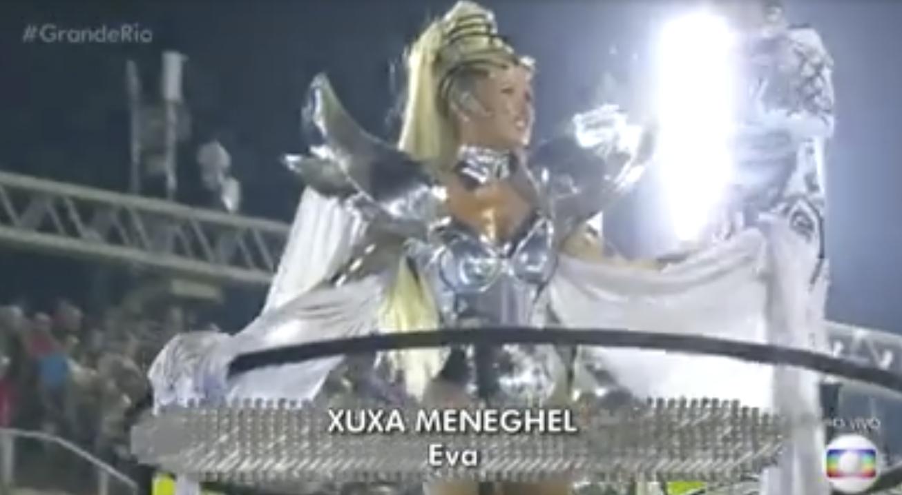 Xuxa foi praticamente ignora em desfile da Globo (Foto reprodução)
