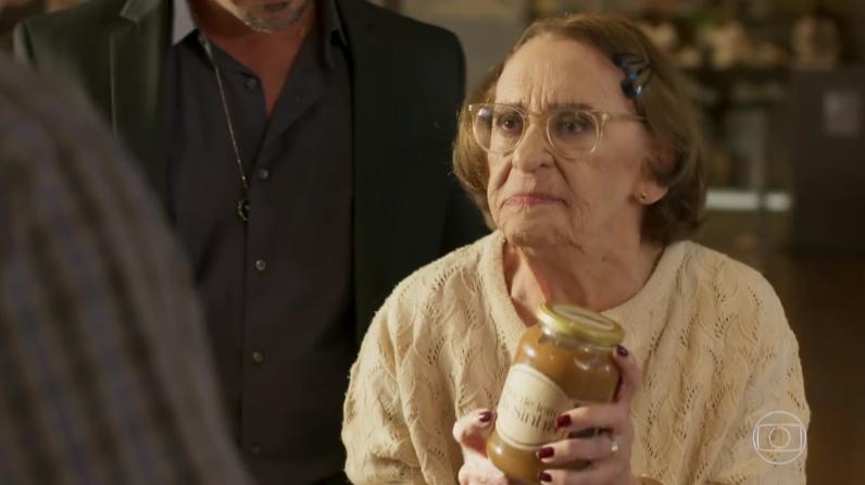 """Sinhá (Laura Cardoso) em cena de """"Sol Nascente"""" (Foto: Reprodução/Globo)"""
