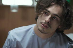 Nicolau (Danilo Mesquita) em cena de 'Rock Story' (Foto: Reprodução/Globo)