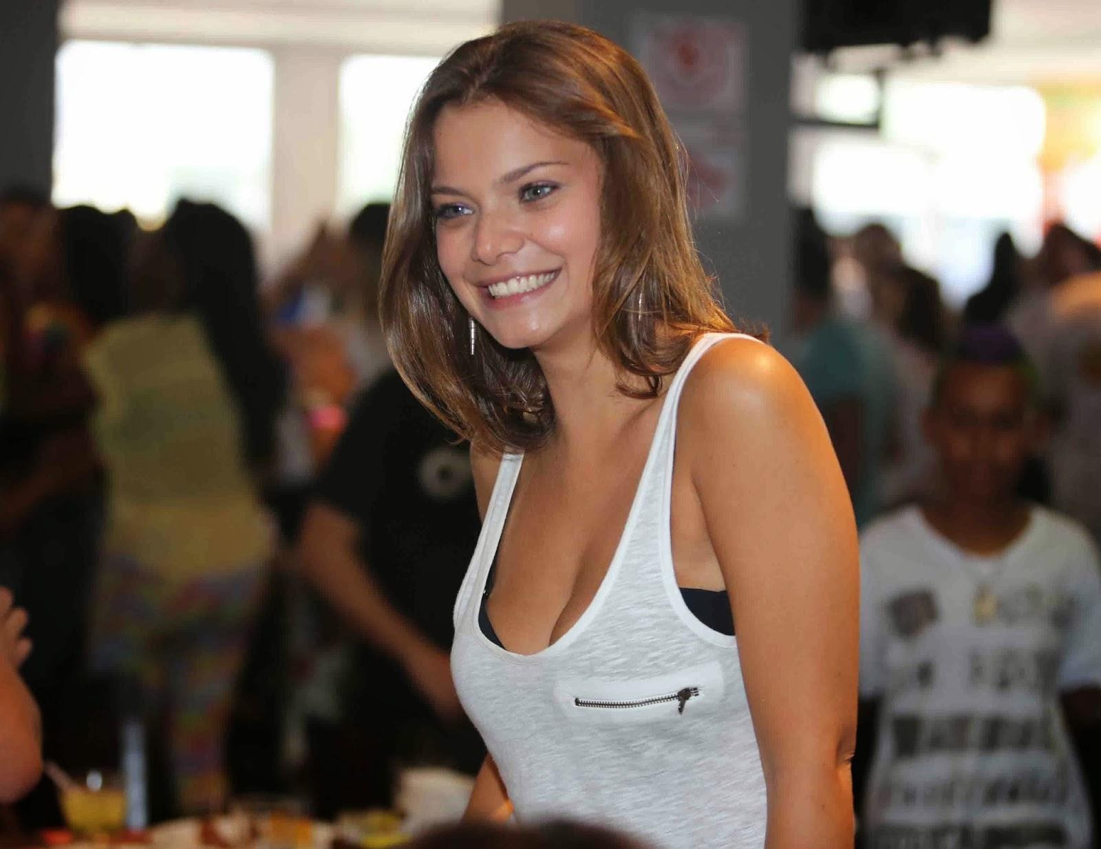 Milena Toscano está no elenco de As Aventuras de Poliana, do SBT. (Foto: Divulgação)