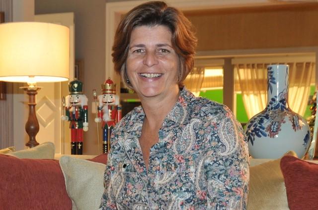 A autora da novela Topíssima, Cristianne Fridman (Foto: Divulgação/Record)