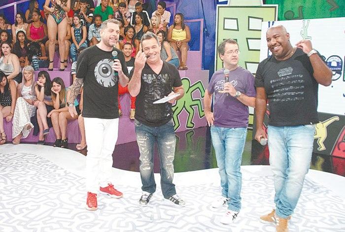 Dennys, Tatola, Ricardinho e Ângelo, os apresentadores do 'Encrenca', da RedeTV!, estarão no Teleton (Foto: Divulgação / Rede TV!)