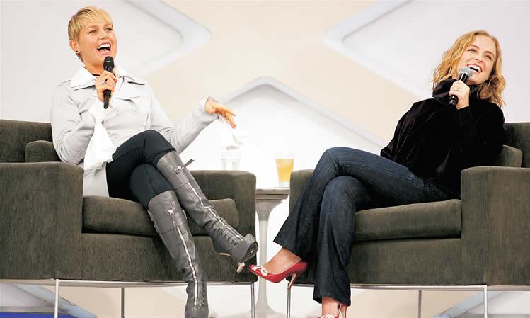 Xuxa e Angélica juntas em antigo programa na Globo (Foto: Divulgação/Globo)