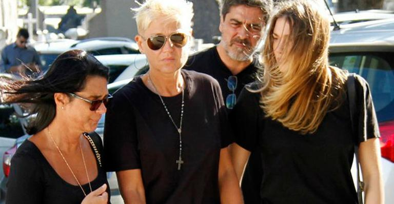 Família Meneghel chega ao velório do pai de Xuxa (Marcos Ferreira / Brazil News)