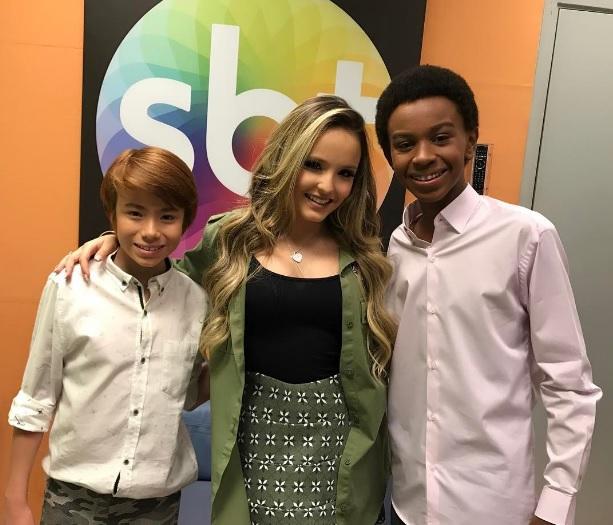 Os jovens se reencontraram nos bastidores do SBT. (Foto: Reprodução/Instagram)