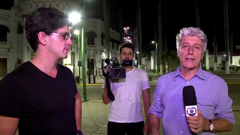 """O jornalista Caco Barcellos no """"Profissão Repórter"""" (Foto: Reprodução/Globo)"""