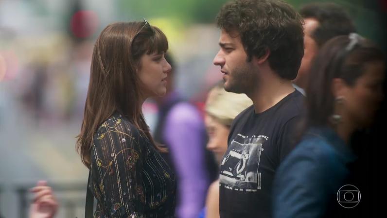"""Isabela (Alice Wegmann) e Tiago (Humberto Carrão) no último capítulo de """"A Lei do Amor"""" (Foto: Reprodução/Globo)"""