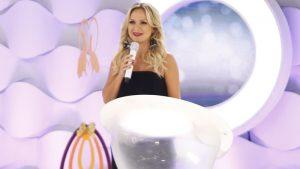 A apresentadora Eliana no comando de seu programa no SBT (Foto: Rodrigo Belentani/SBT)