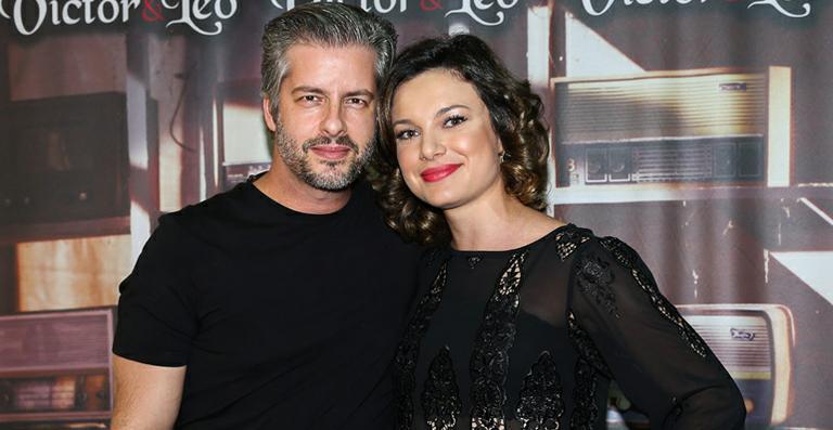 Victor e a mulher, Poliana. (Foto: Reprodução)