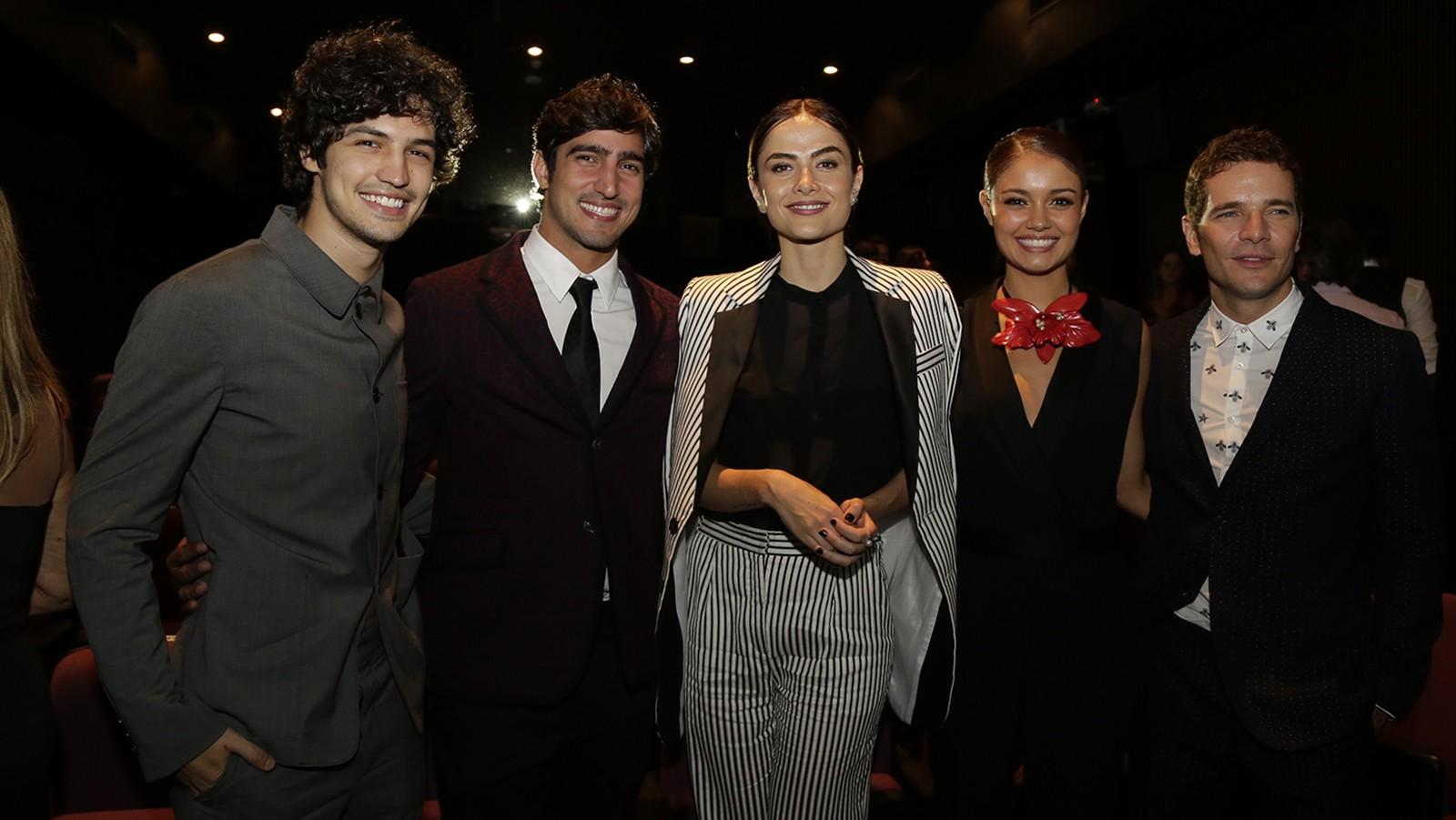 Gabriel Leone, Renato Góes, Maria Casadevall, Sophie Charlotte e Daniel Oliveira (Foto: Raphael Dias/Gshow)