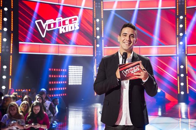"""André Marques na final da segunda temporada do """"The Voice Kids"""" (Foto: Globo/Tata Barreto)"""