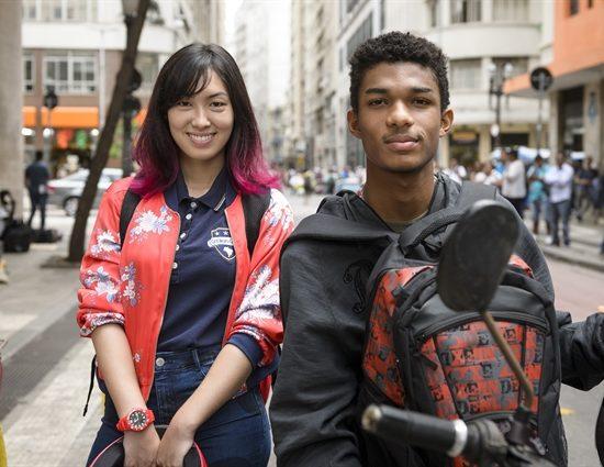 Tina (Ana Hikari) e Anderson (Juan Paiva) em 'Malhação: Viva a Diferença' (Foto: Globo/Ramón Vasconcelos)