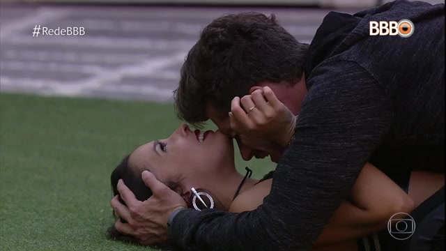 """Emilly e Marcos durante discussão no """"BBB17"""" (Foto: Reprodução/Globo)"""