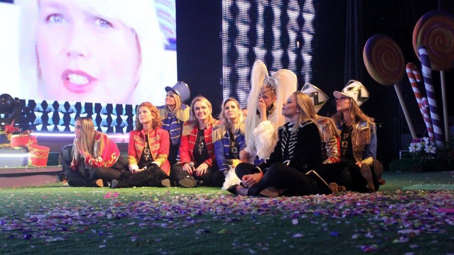 Paquitas armam surpresa para Xuxa Meneghel durante show no Rio — XuChá