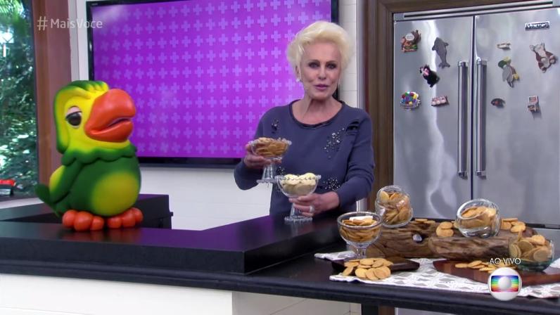 Cinegrafistas provam biscoito e deixam Ana Maria Braga em saia justa