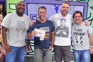 """Ângelo Campos, Tatola Godas, Dennys Motta e Ricardinho Mendonça apresentam o """"Encrenca"""" (Foto: Divulgação/RedeTV!)"""