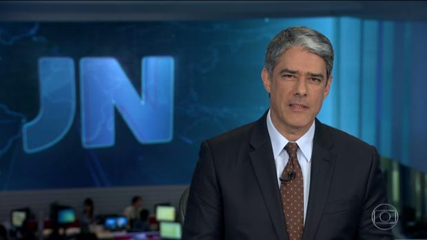 """William Bonner no """"Jornal Nacional"""" (Foto: Reprodução/Globo)"""