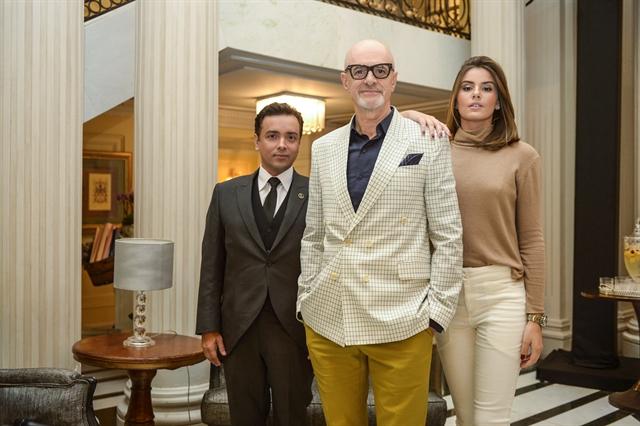 Rodrigo Fagundes (Nelito), Marcos Caruso (Pedrinho Guimarães e Camila Queiroz (Luiza) (Foto: Globo/João Miguel Júnior)