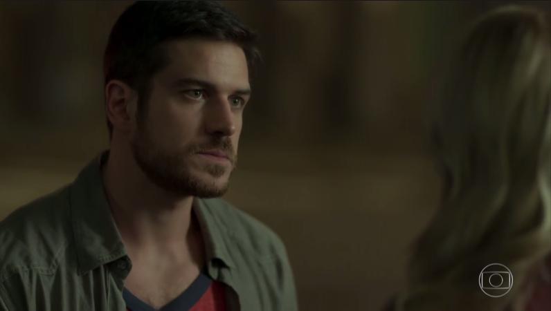 """Zeca (Marco Pigossi) e Jeiza (Paolla Oliveira) em cena de """"A Força do Querer"""" (Foto: Reprodução/Globo)"""