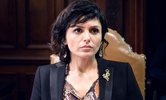 Celeste (Monica Iozzi) em Vade Retro (Foto: Globo/Ramón Vasconcelos)