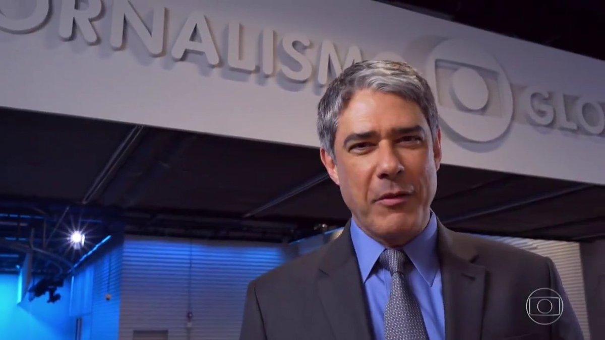 """William Bonner no novo estúdio do """"Jornal Nacional"""" (Foto: Reprodução/Globo)"""