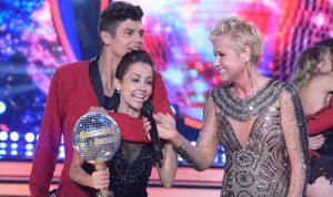"""Xuxa e a dupla vencedora do """"Dancing Brasil"""", Maytê e Paulo Victor (Foto: Blad Meneghel)"""