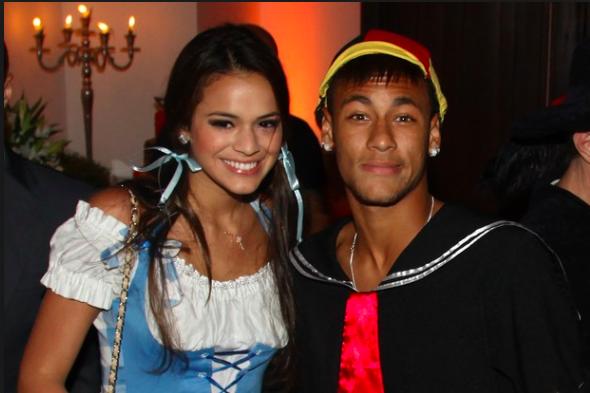 Bruna Marquezine diz que Neymar não assiste suas cenas quentes na TV. (Foto: Divulgação)