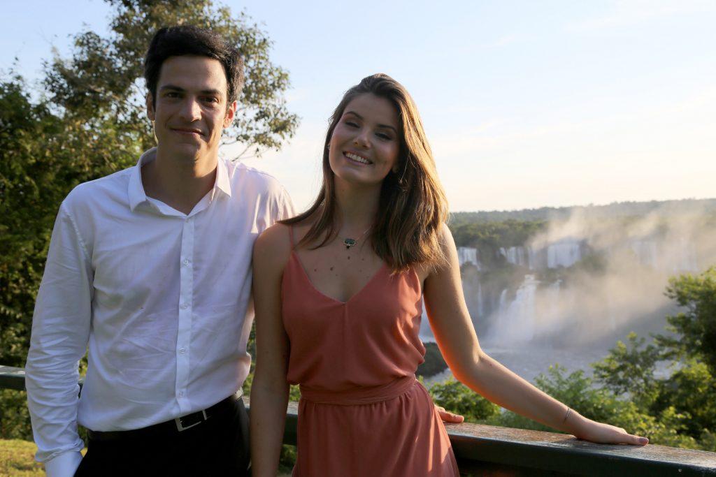 Eric (Mateus Solano) e Luiza (Camila Queiroz). (Foto: Divulgação/Globo)