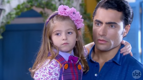 """Lorena Queiroz e Carlo Porto em """"Carinha de Anjo"""" (Foto: Reprodução/SBT)"""