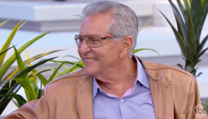"""Carlos Alberto de Nóbrega em """"A Praça é Nossa"""" (Foto: Reprodução/SBT)"""