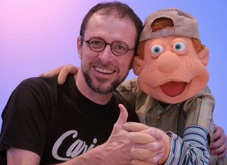 Julio e seu criador Fernando Gomes