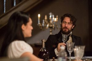 Anna (Isabelle Drummond ) e Thomas (Gabriel Braga Nunes) em cena de 'Novo Mundo' (Foto: Globo/Ricardo Boges)