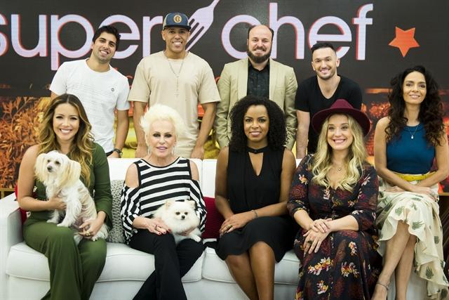 Ana Maria Braga e participantes do 'Super Chef Celebridades' (Foto: Globo/Raquel Cunha)