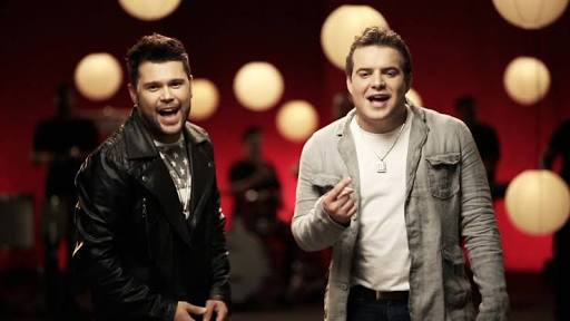 Marcos e Belutti também gravariam com Luan Santana, mas cantor deixou eles na mão assim como fez com Paula Fernandes (Foto: Divulgação)