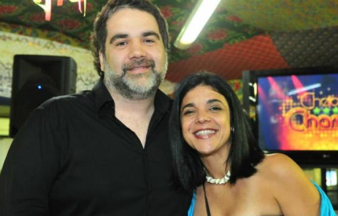 Os autores Filipe e Izabel. Foto - divulgação.
