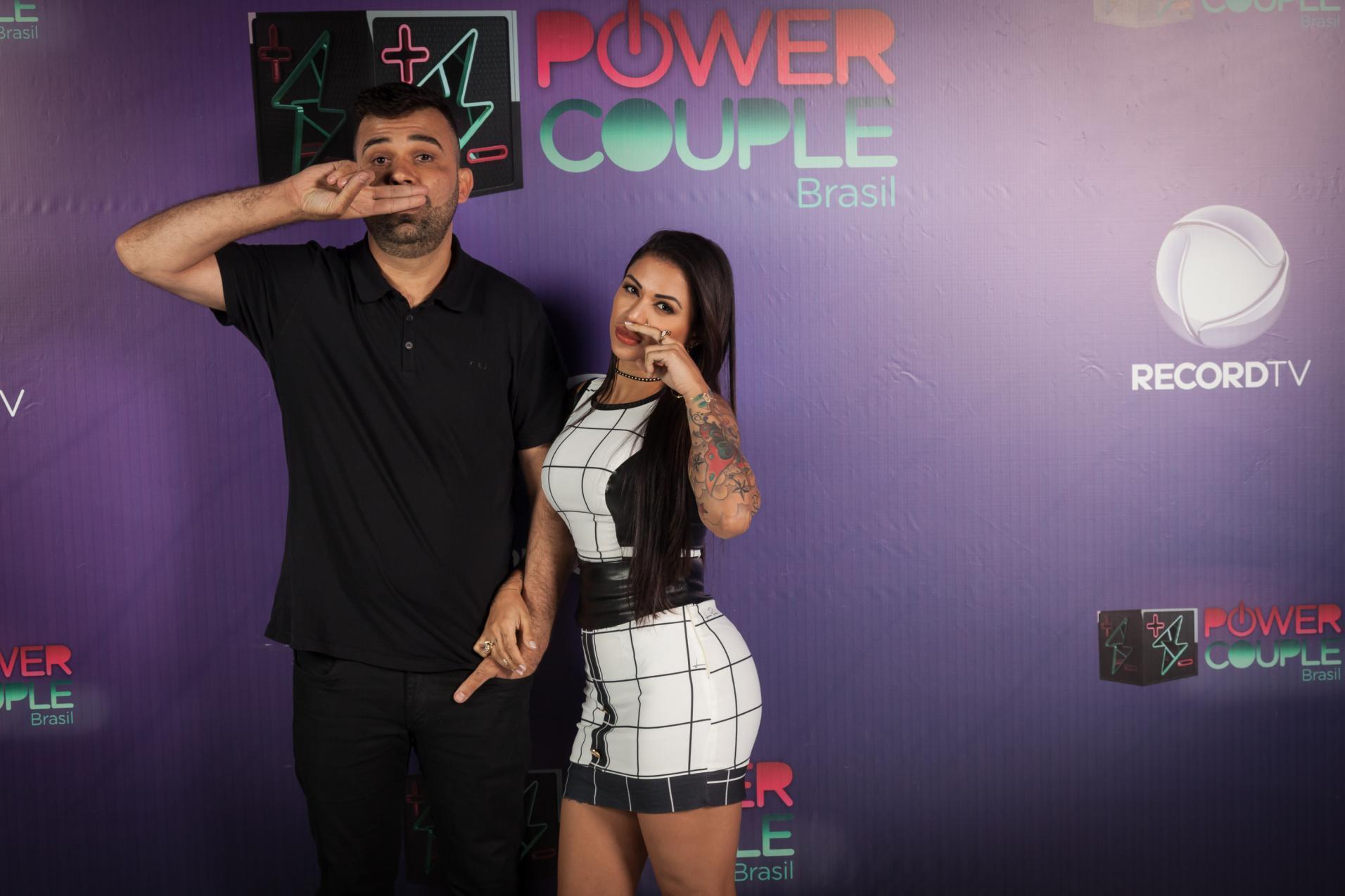 Sylvinho e Ana Paula viram vilões do jogo Power Couple