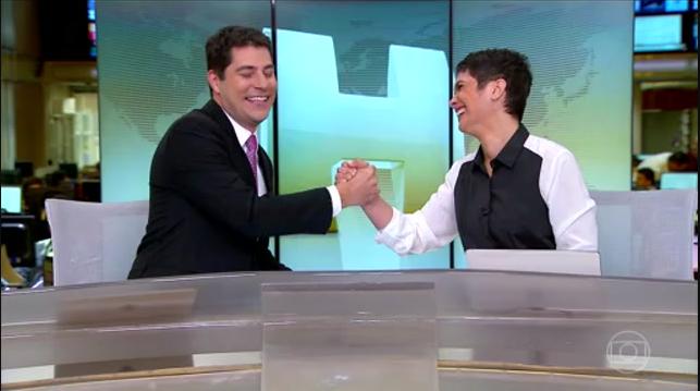 """O adeus de Evaristo Costa ao """"Jornal Hoje"""" emociona telespectadores e Sandra Annenberg."""