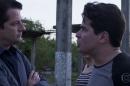 """Malagueta (Marcelo Serrado) e Júlio (Thiago Martins) em cena de """"Pega Pega"""" (Foto: Reprodução/Globo)"""