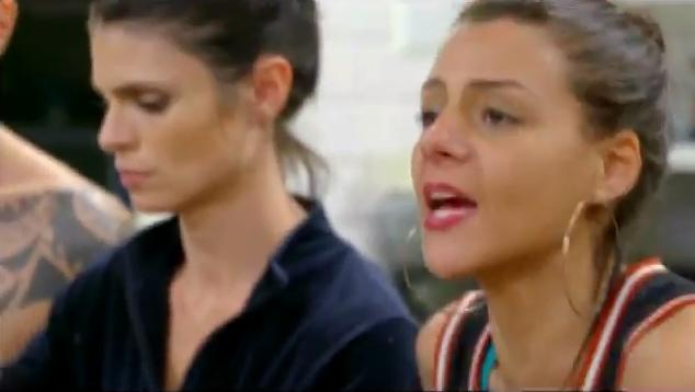 """Bárbara durante discussão em """"A Casa"""" (Foto: Reprodução/Record)"""