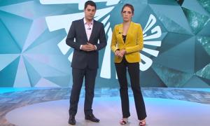 """Evaristo Costa e Poliana Abritta no """"Fantástico"""" (Foto: Reprodução/Globo)"""