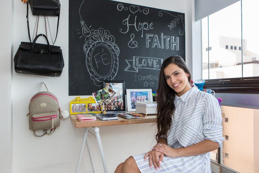 Emilly Araújo, do BBB 17, em sua cobertura duplex no Rio de Janeiro (Foto: Felipe Monteiro / Gshow)