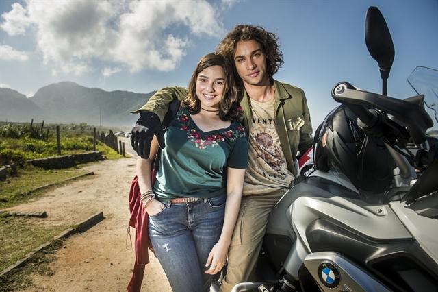 Keyla (Gabriela Medvedovski) e Deco (Pablo Morais) em 'Malhação' (Foto: Globo/João Miguel Júnior)