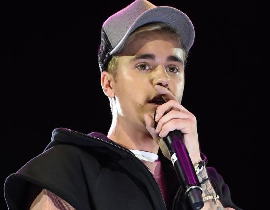 Após parar a carreira por causa de Jesus, Justin Bieber atropela fotógrafo;