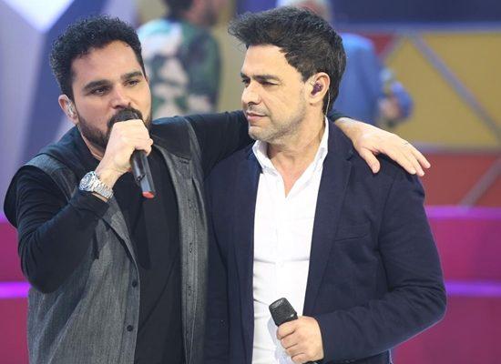 """Luciano Camargo e o irmão, Zezé no """"Legendários"""" (Foto: Antonio Chahestian/Record)"""