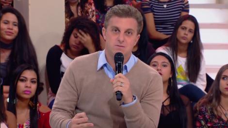 """Luciano Huck durante o """"Caldeirão"""" (Foto: Reprodução/Globo)"""
