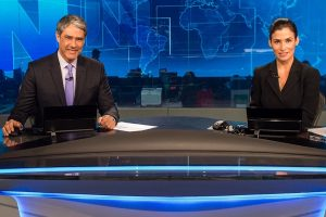 "William Bonner e Renata Vasconcellos no ""Jornal Nacional"" (Foto: Globo/João Cotta)"