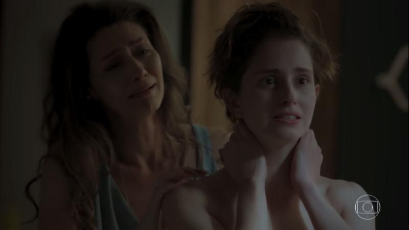 """Joyce (Maria Fernanda Cândido) e Ivana (Carol Duarte) em cena de """"A Força do Querer"""" (Foto: Reprodução/Globo)"""